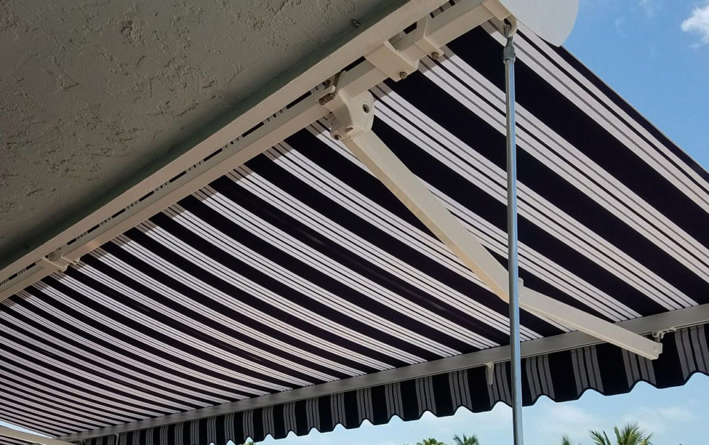 Toldos en Miami Awnings: Miami Retractable Awning Toldos